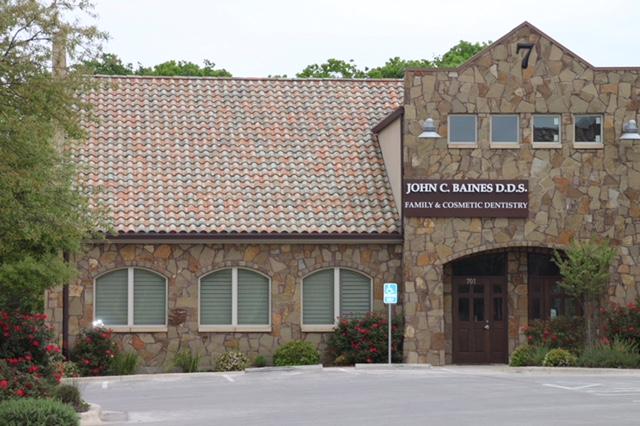 baines-dentistry-austin-tx-78745-dentist-office-exterior-parking-lot
